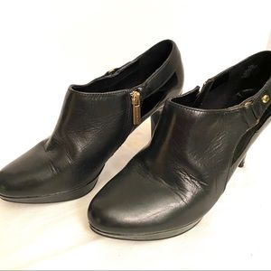 Bandolino Black Leather and Patent Leather Booties